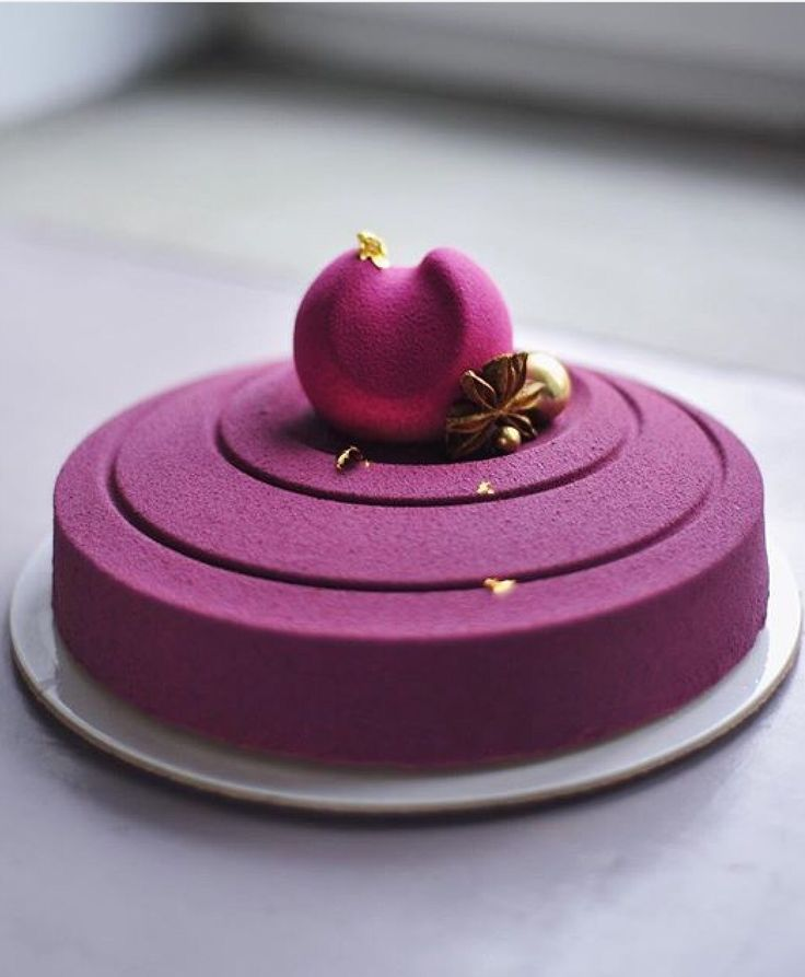RushWorld declares Anna Aksyonova TREND-WORTHY. This is the cake of the future with its sleek presentation and simple beauty. Check out our boards, WEDDING CAKES WE DO!, I CAN'T BELIEVE IT'S CAKE and WTF? FASHIONS