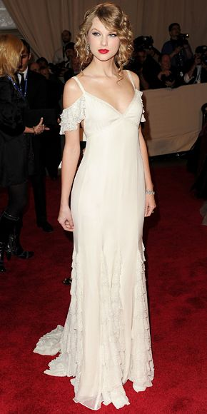 Taylor Swift's 22 Best Dresses - Ralph Lauren Collection from #InStyle. I'd love something like this for my possible future wedding.
