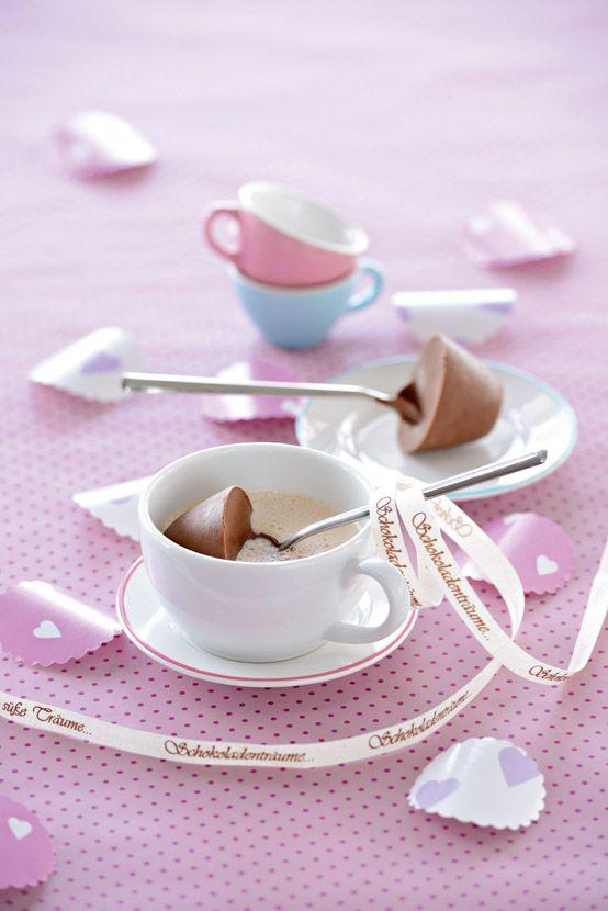Ein Schokoladentraum: Löffel-Schokoladen-Milch #Rezept von Bad Reichenhaller #Kindergeburtstag