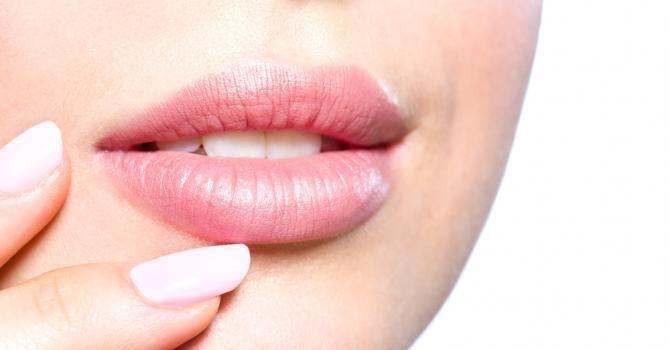 5 conseils pour avoir une bouche pulpeuse : http://www.fourchette-et-bikini.fr/beaute/5-conseils-pour-avoir-une-bouche-pulpeuse-30938.html