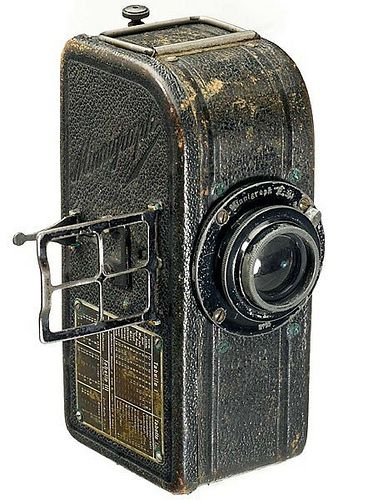 Levy Roth Minnigraph (1915) - first European serial-produced 35mm camera, taking fifty 18x24mm exposures using a special cassette.