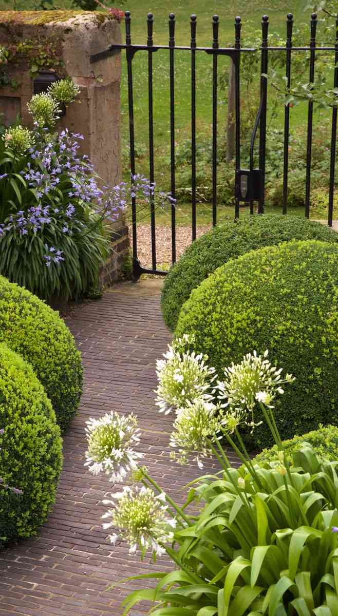 Notting Hill Jonathan Snow Landscape And Garden Design Sloped Garden Garden Design Garden On A Hill