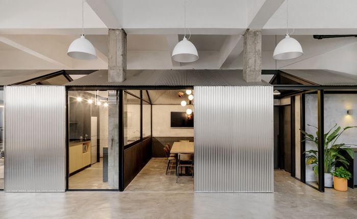 Herschel Supply Offices - Shanghai - Office Snapshots