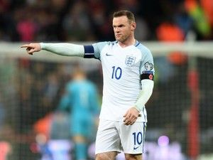 Manchester United's Wayne Rooney 'to be left out of England squad'