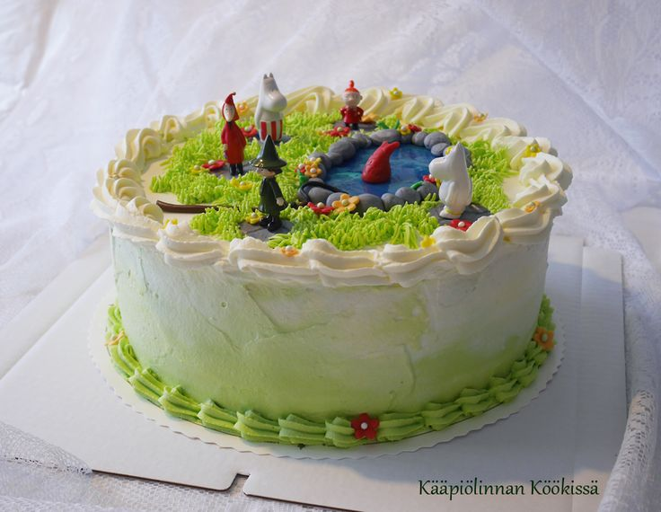 Kääpiölinnan köökissä: Käy Muumilaaksoon! - Muumi-kakkua mansikka-mascarponetäytteellä