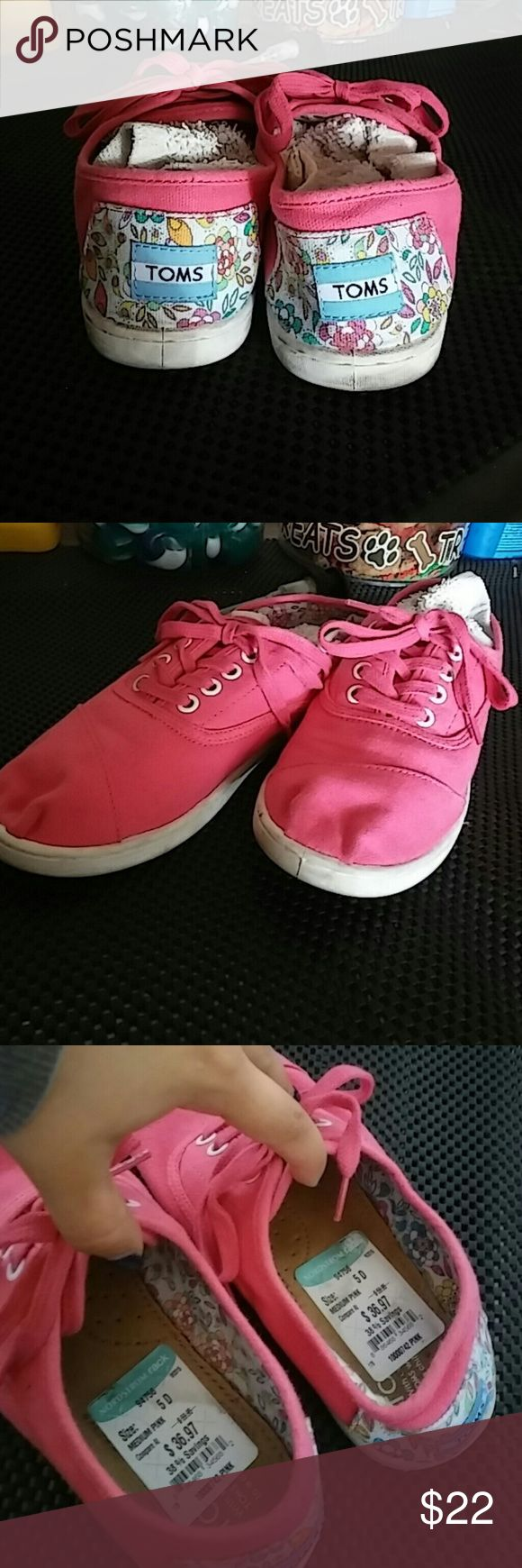 Floral hot pink toms sneaker Brand new ! Used once for a photo shoot. Still has tags attached to them.  Purchased from Nordstrom. Smoke free home... TOMS Shoes