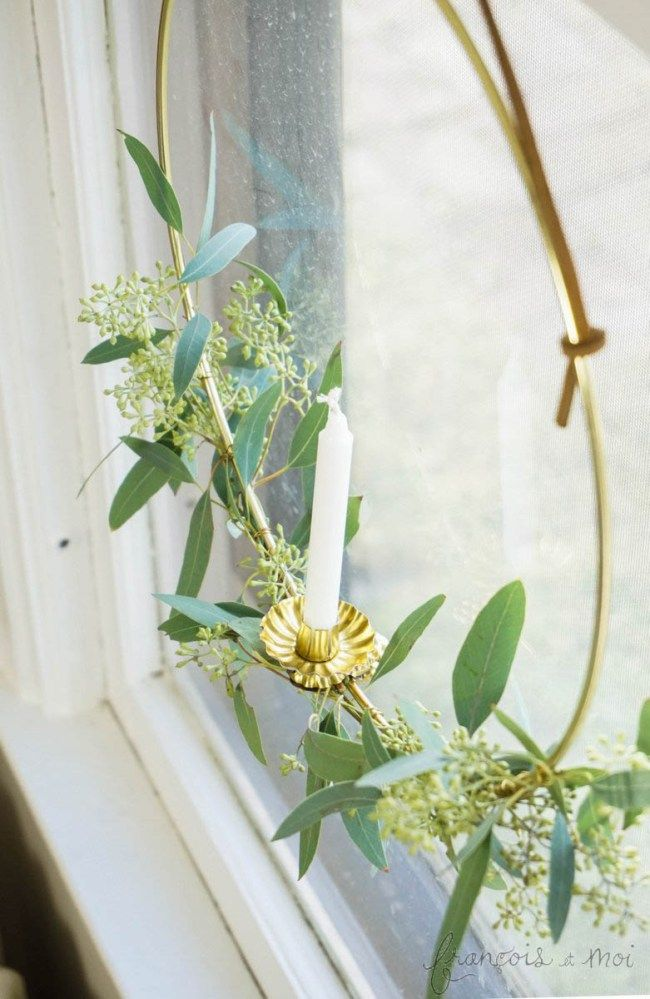 Swedish Candle Wreath DIY :http://francoisetmoi.com/diy/candle-wreath/