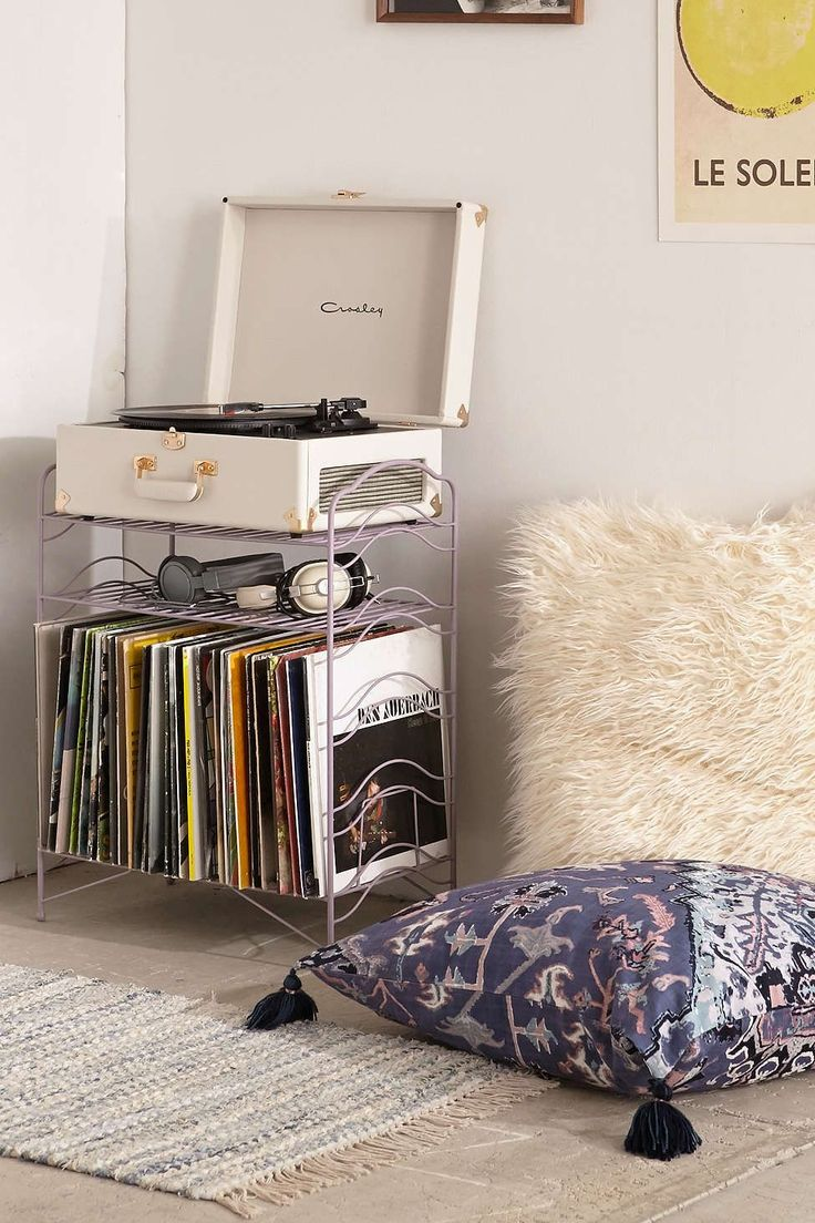 vinyl record storage shelf grunge bedroomindie - Indie Bedroom Designs