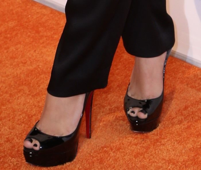 "Ariel Winter wearing Christian Louboutin ""Lady Peep"" platform pumps"
