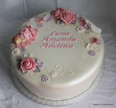 Ewelyn's Cakeheaven: Ristiäiskakku