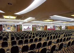 a 720 sq column-free area - up to 1.000 people theatre style - Ramada Naples City Center