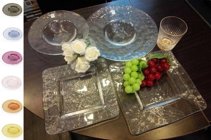 """❆涼しく❄魅せてくれるお洒落なお皿、✟オービット・シリーズ✟  こんにちは!新米店員のカリミックでっす♡ 今日は、手作りならではの「ガラス」のテクスチャーと風合い、透明感が、温かくもお洒落で、涼しさ感じさてくれるお皿✟オービット・シリーズ✟を紹介します♪ 「オービット」は""""軌道""""という意☆彡 「手づくり」ならではの絶妙なバランスと美しい曲線を実現。 金箔シリーズから6色シリーズなど豊富に取り揃えてます!  ✪東洋佐々木ガラス✪  楽天ショップ:http://search.rakuten.co.jp/search/inshop-mall/%E3%82%AA%E3%83%BC%E3%83%93%E3%83%83%E3%83%88/-/sid.272474-st.A yahooショップ:http://store.shopping.yahoo.co.jp/cosmo-style/search.html?p=%C5%EC%CD%CE%BA%B4%A1%B9%CC%DA%A5%AC%A5%E9%A5%B9+%A5%EA%A5%E0&b=0  お皿一枚からご購入OK! 一度ご来店ください♪…"""