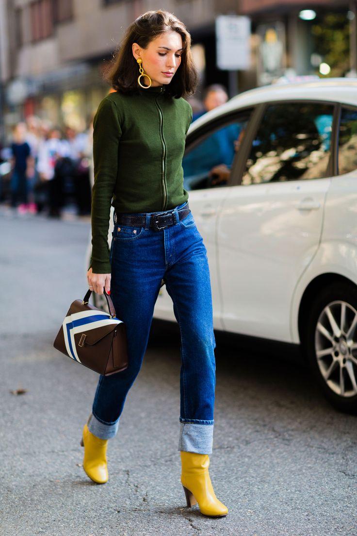 Diletta Bonaiuti | Street style | Denim | Belted jeans | Black belt | Women's belt | Green sweater | Fashion | Inspiration