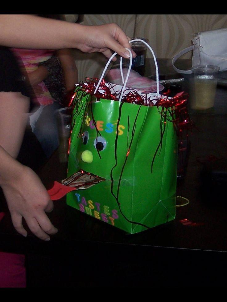 Money gift bag.