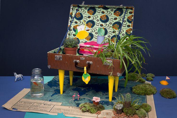 Z comme Zéro, la valise Tikilulu et ses trésors de vacances, stylisme photo façon Wes Anderson, par Les Trafiquantes
