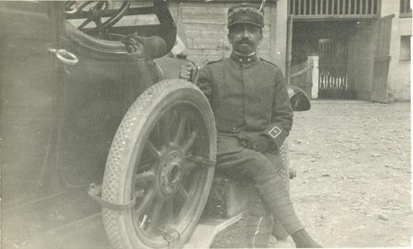 Vito Massarotti neuropsichiatra, chiamato alle armi allo scoppio del primo conflitto mondiale.  http://www.adnkronos.com/rf/image_size_1280x960/Pub/AdnKronos/Assets/Immagini/Regioni/provvisori/ferrari-militare.jpg