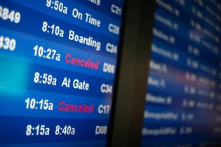 East Coast Storm Disrupts Thanksgiving Travel By MARC SANTORA 11/26/14 - NYTimes.com