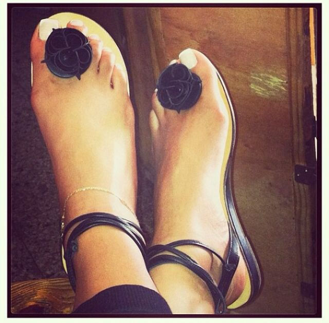 f11885264 Bridget Sandals-Jamaica they ship to USA similar to the #Chanel sandal ❤ |  Wish List <3 | Sandals, Shoes, Jamaica outfits