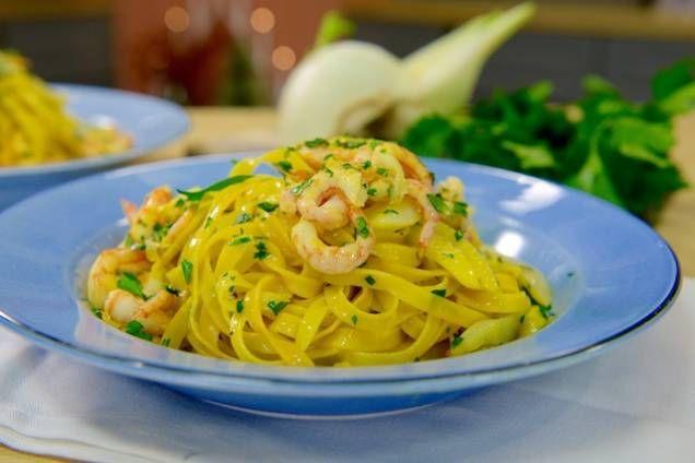 En rykande god pasta som serveras medfänkål, räkor och saffran!