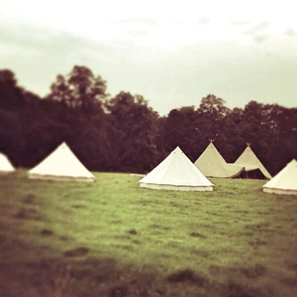 Combined with a glamping village from @tinkersbells #belltents #glamping  #tipis #teepees #tipiwedding #teepeewedding #midlands #tipihire #derbyshire #marquee #peaktipis #outdoorwedding