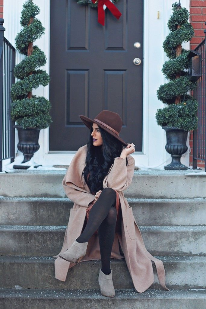 Dark Lip and Neutral Outfit
