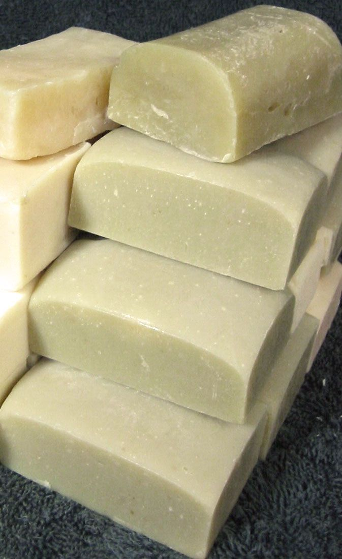 Luxuriously hemp shampoo bar & shower soap: Hemp oil handmade soap recipe 36% Beef tallow or palm oil 360 g 24% Hemp seed oil 240 g 22% Coconut oil 220 g 13% Olive oil 130 g 5% Castor oil 50 g NaOH 140 g Water 250 g 250 g 180 g