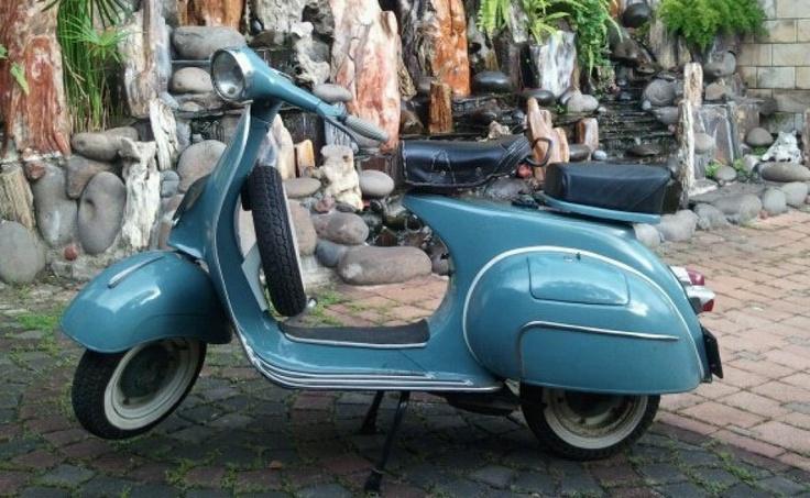 Jakarta, city of vintage vespas