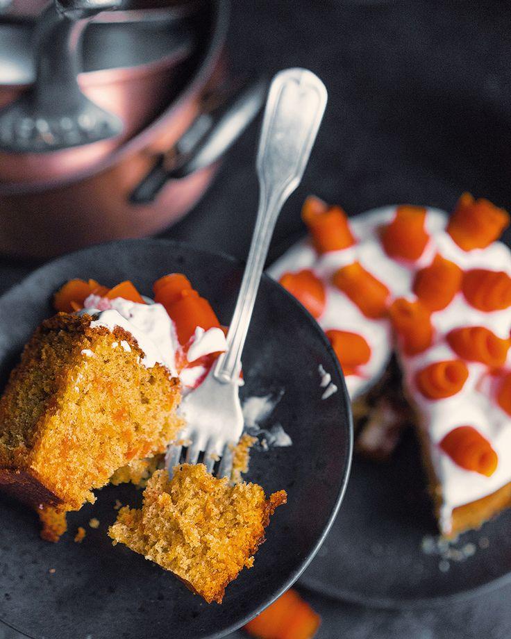 Фантастический пирог с морковью и карамелью Хозяйке на заметку Другие пироги, стоящие внимания Пирог на красном вине, потрясающий и гурманский Пирог с любым пюре, например, тыквенным Простой с маком и творогом Быстрый пирог с фруктами Влажный пирог с персиками Волшебный яблочный пирог Недавние обзоры