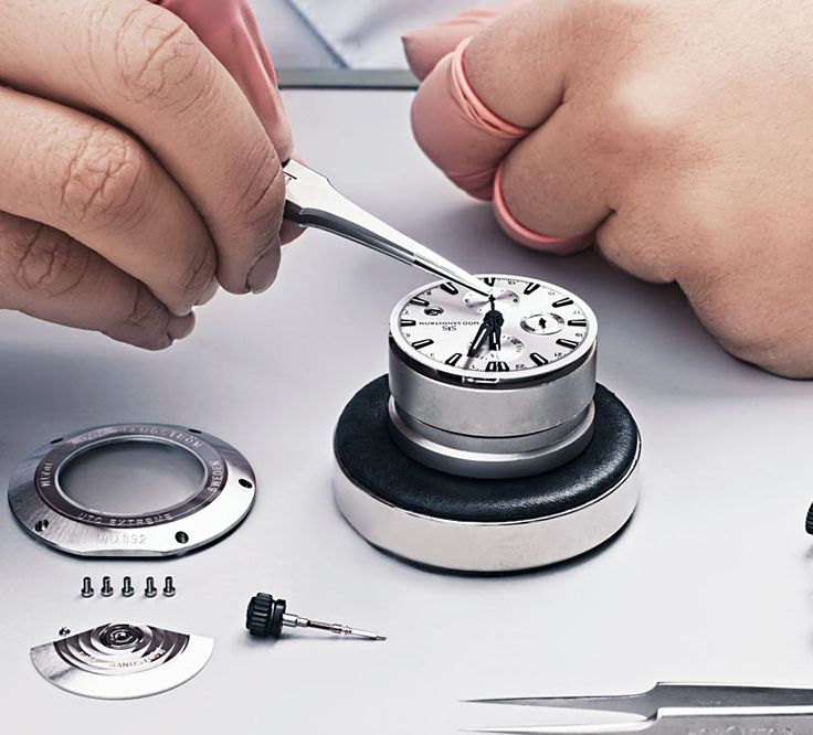 The timepiece begins to emerge when the dial and hand are mounted in the case. #watchmaker #watch #watches #sjoosandstrom #sweden