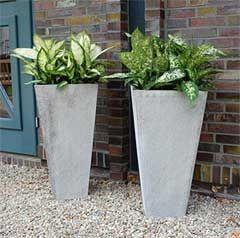 Blumenkübel CLASSIC aus Faserbeton - schick als Portalvasen an Toren und Eingängen
