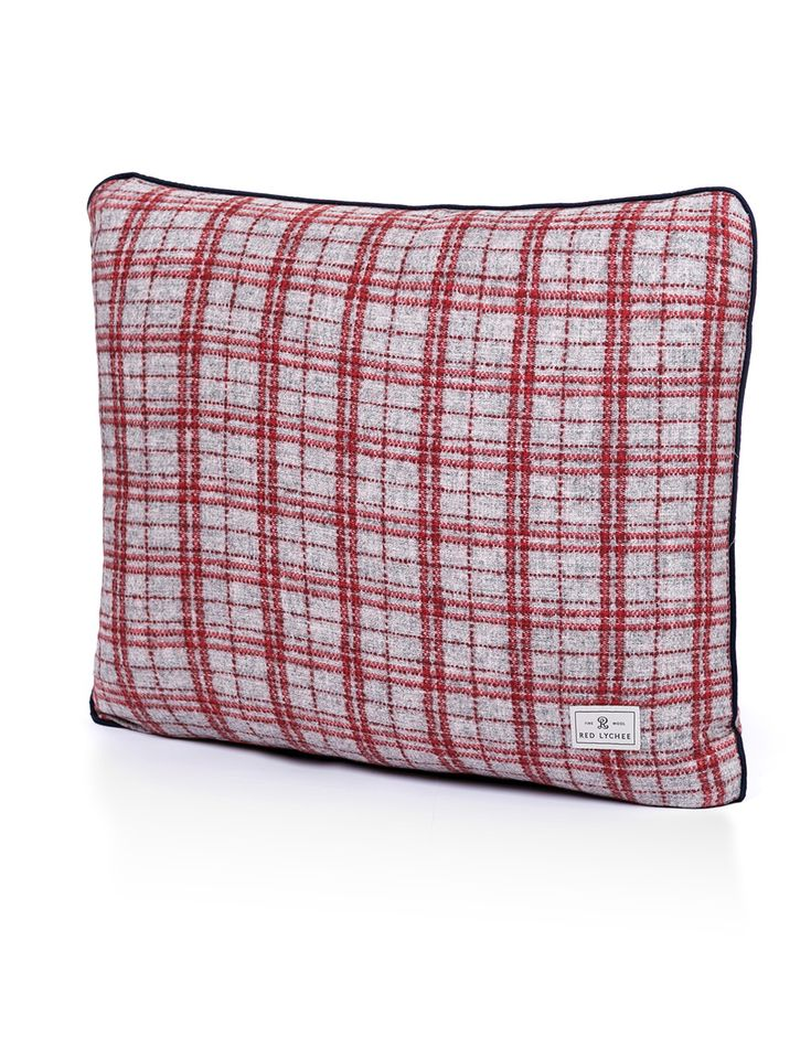 Gramercy Wool Pillow is a combination of sophisticated design, specially selected wool and top quality craftsmanship.