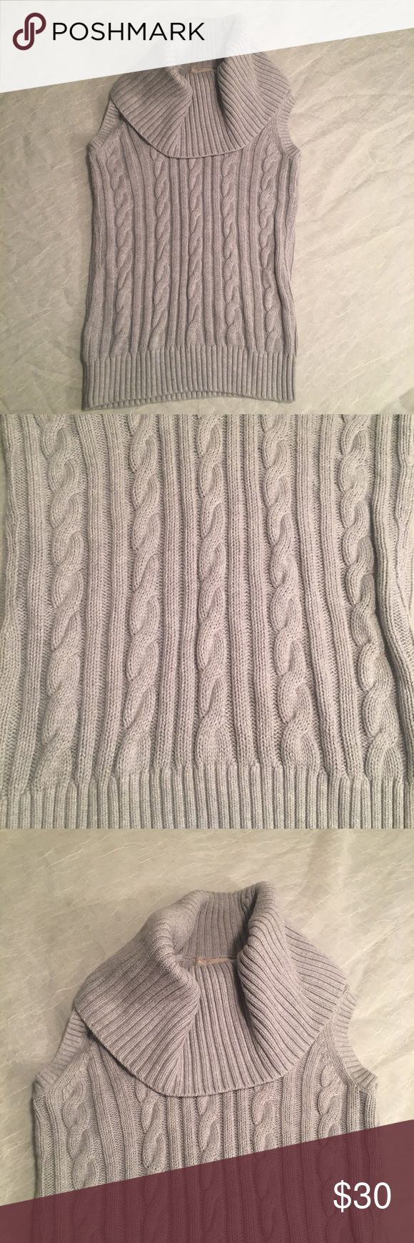 Banana Republic Short Sleeves Cowl Neck Sweater This sweater is LIKE NEW! Beautiful knit, size Medium. Short sleeves with elegant cowl neck 😍👌❤️ Banana Republic Sweaters Cowl & Turtlenecks