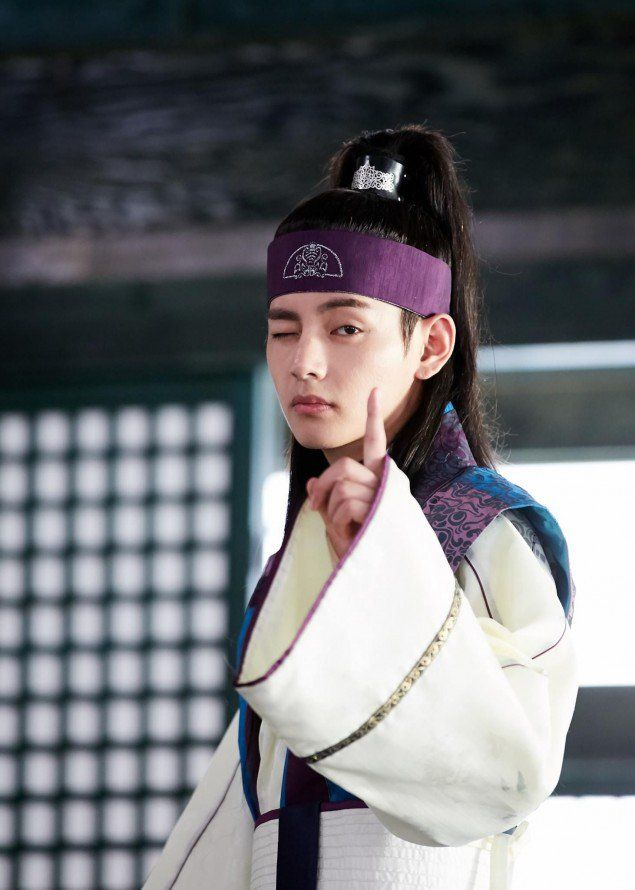 18 Male K Pop Idols Who Can Pull Off Long Hair Hwarang Taehyung Hwarang V Hwarang