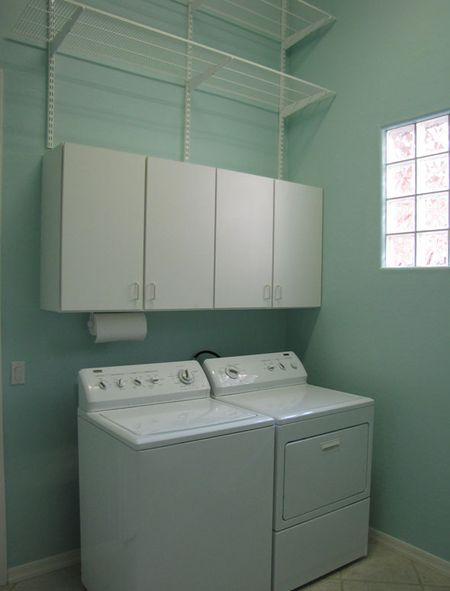 small laundry space in garage laundry room makeover small laundry space ideas pinterest. Black Bedroom Furniture Sets. Home Design Ideas