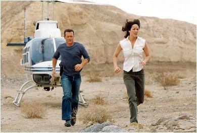 John Doggett (Robert Patrick) and Monica Reyes (Annabeth Gish). X-Files.