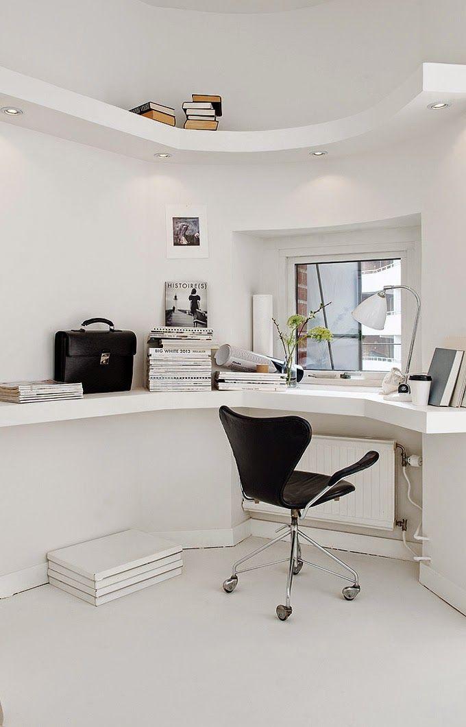 Home Office ǁ Fritz Hansen products: Series 7™ swivel armchair by Arne Jacobsen