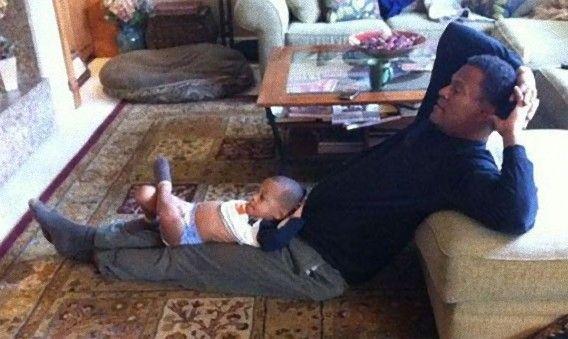 この父にしてこの息子あり。父親とそのクローンと化した息子のツーショット画像