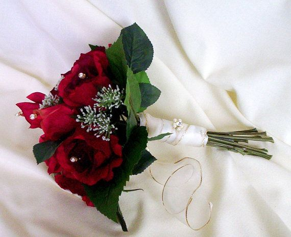 Red Winter Bridal Bouquet Red bridal party by BudgetWeddingBouquet