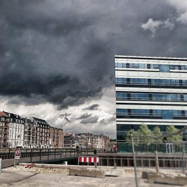 Sommer i Aarhus #sommer #aarhus #navitas #overskyet #apocalypse #aarhusø #aarhus.oe #aarhusc #visitdenmark #waitingforthesun
