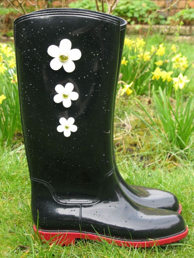 Ladies Fashion Black Wellies Wellington Boots with Flower Design and Red Sole