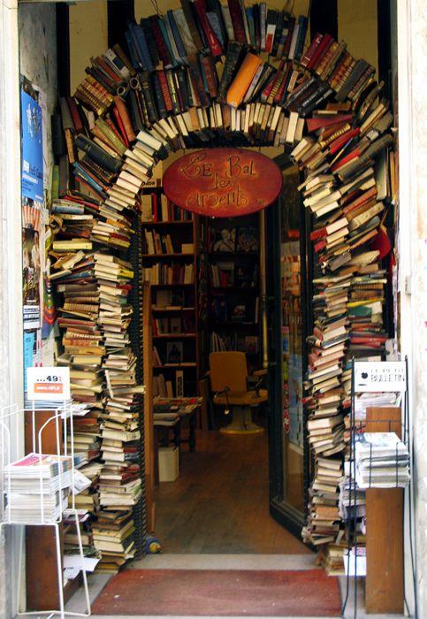 Bookstore entrace. Lyon, FranceLibraries, Book Arches, Le Bal, Book Stores, Reading, Bookstores Entrance, Bal Des, Places, Lyon France