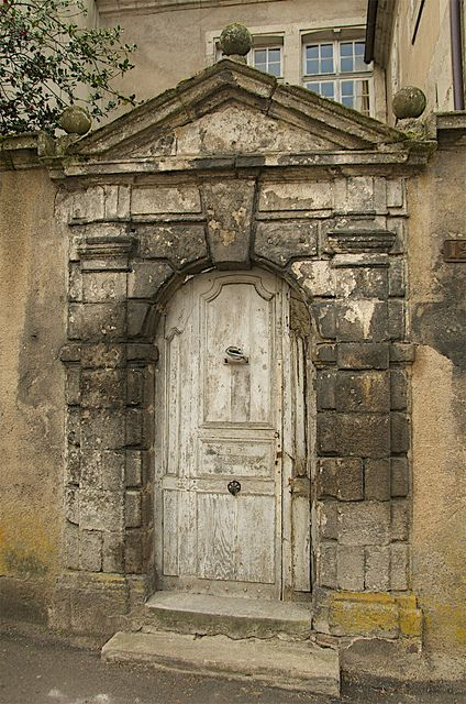 Autun - Roman door, via Flickr.  Wouldn't you just love to enter and see what is on the other side.
