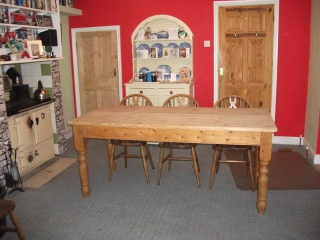 Farmhouse Table - Reproduction Scrubbed Top For Sale in Farnborough, Hampshire