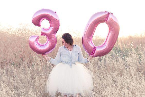 Ideas de sesión de fotos para cumpleaños número 30 http://cursodeorganizaciondelhogar.com/ideas-de-sesion-de-fotos-para-cumpleanos-numero-30/ #cumpleañosnumero30 #Ideasdesesióndefotosparacumpleañosnúmero30 #ideasparacumpleaños30 #ideasparasesionesdefotos #sesiondefotos #temasparasesionesdefotos