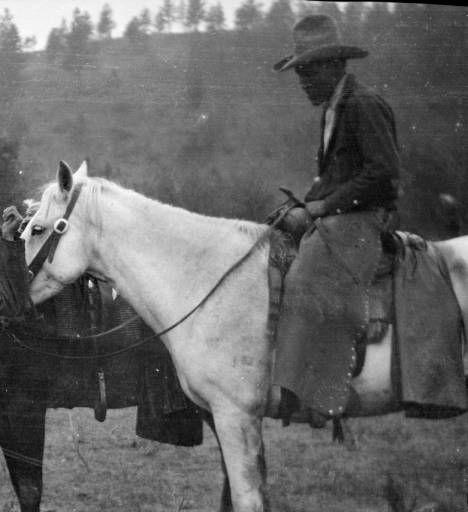 Шайены с осёдланными лошадьми. Фото 2. Thomas Marquis.