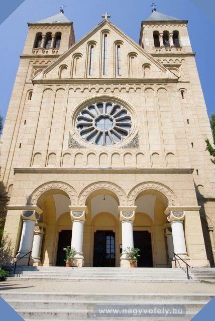 Pécs - Pius Jézus Szíve templom