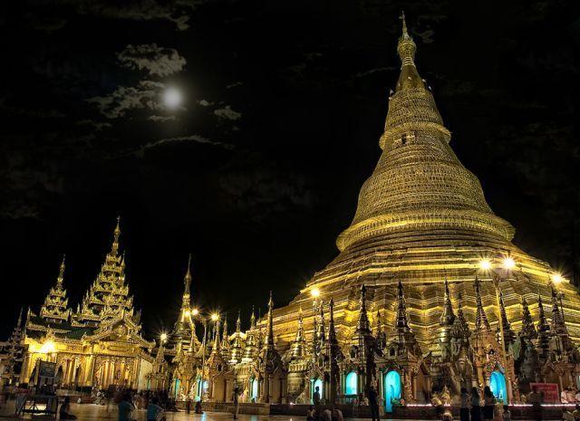 ミャンマー ヤンゴンaweinspiring_places_on_earth_that_could_completely_vanish_one_day_640_10