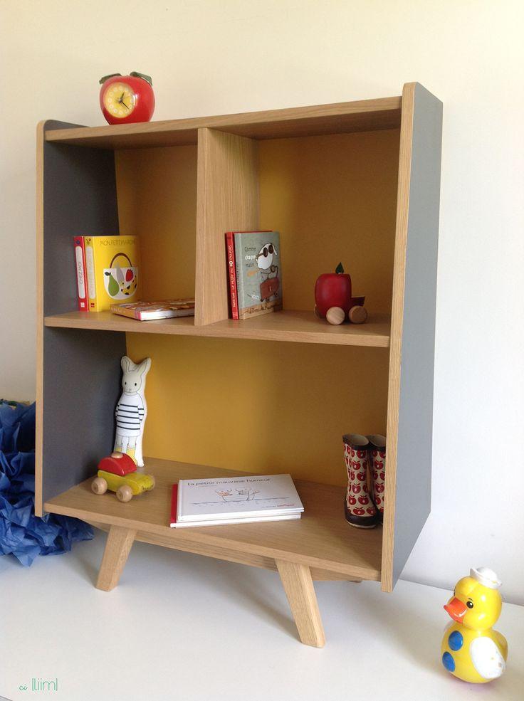 Petite bibliothèque en chêne et formica bleu-gris et jaune moutarde