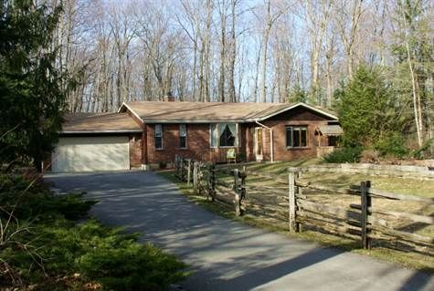 Home on 1 acre with deeded access to Sturgeon Lake in Fenelon Falls City of Kawartha Lakes, Ontario. For Sale at $299,900.00. 23 BIRDIE DR, Fenelon Falls.