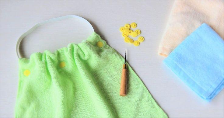 シリーズでお届けしている、簡単なお食事エプロンの作り方。今回は、裁縫が苦手な方にとっておきの裏ワザをご紹介します。スナップボタンを使って、縫わずに簡単にお食事エプロンが作れちゃうんです。保育園・入園の準備に、また、洗い替…
